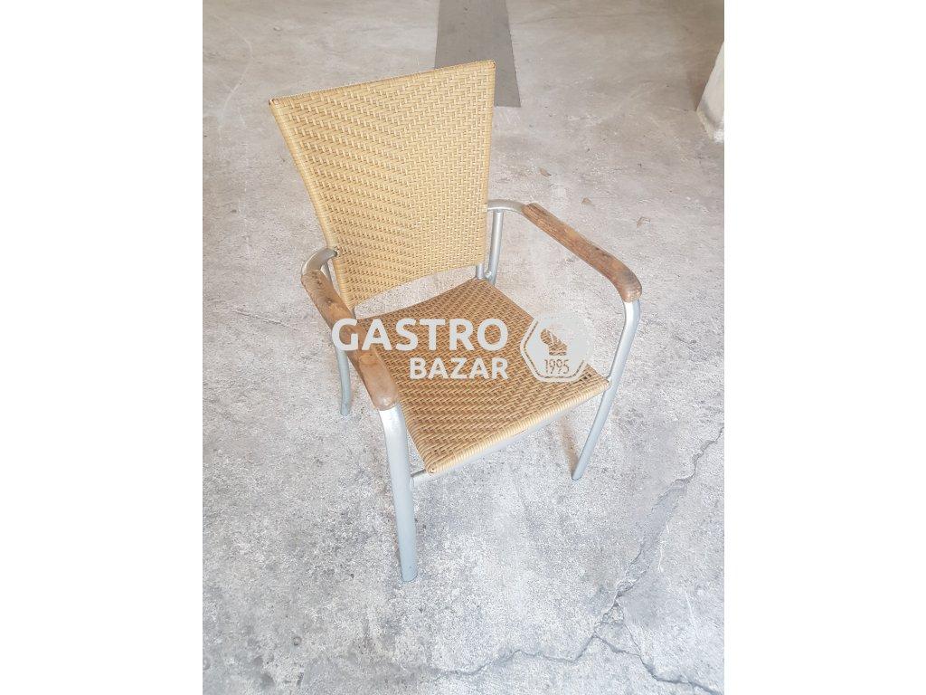 Ratanové židle světlé - dřevěná madla