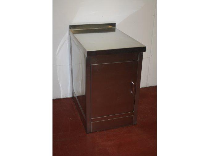 Nerezová skříňka