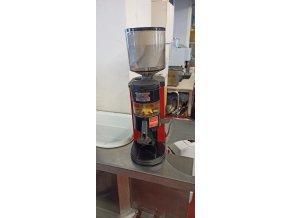 Mlýnek na kávu automatický