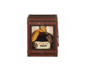 2339 Pyrat XO Steamer Trunk Giftbox closed 600x711