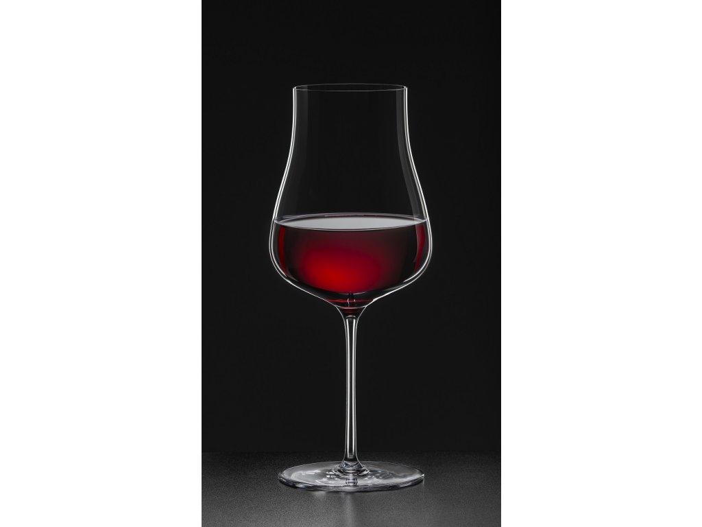 kalich červené víno 690