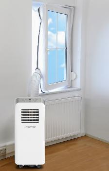 Těsnění oken Trotec AirLock pro mobilní klimatizace nasazené v otevřeném okně s připojenou klimatizační jednotkou