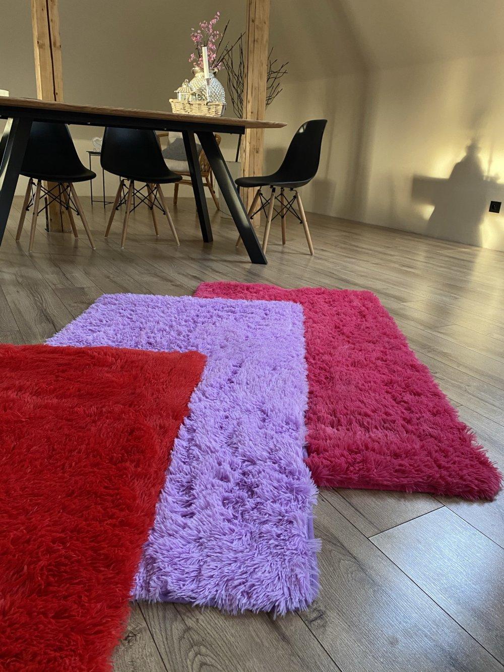 plysovy-kusovy-koberec-gazu-fialovy