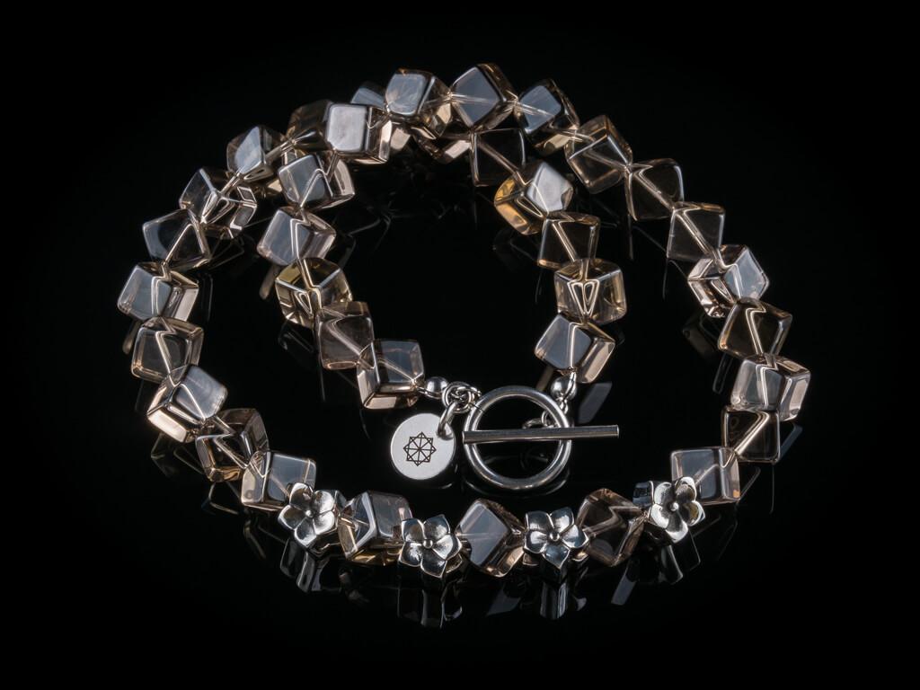 nahrdelnik-ze-zahnedy-a-chirurgicke-oceli-gemterra