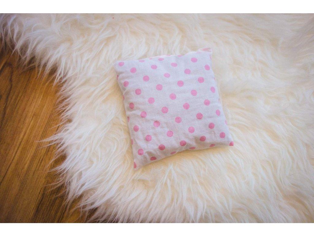 pohankový polštářek - růžový puntík