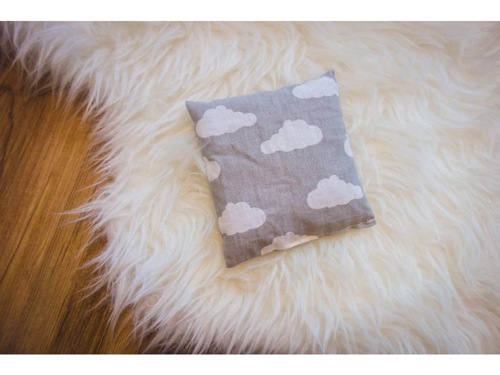 pohankový polštářek - šedé oblaky