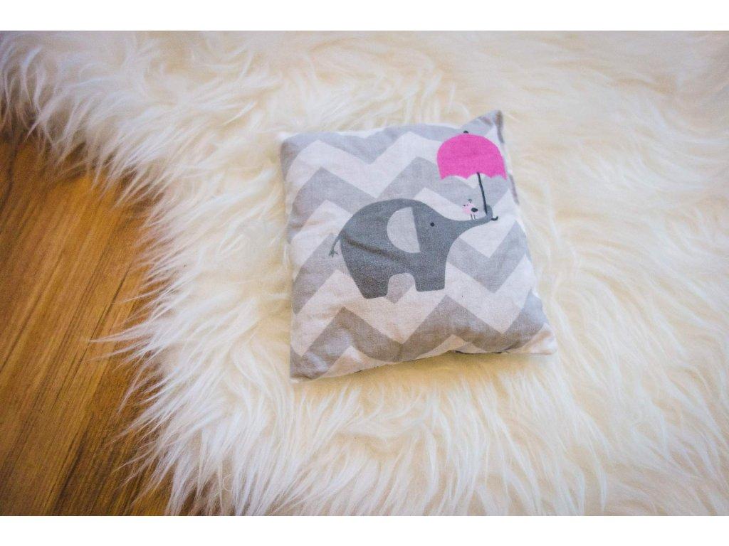 pohankový polštářek - slon s růžovým deštníkem