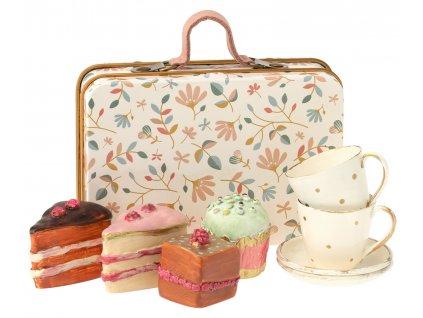 čajový set s dortíky v kufříku