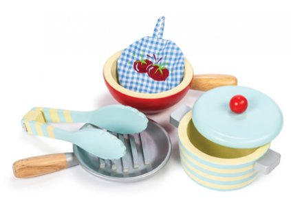 vaření - hrnec a pánvičky dřevěné