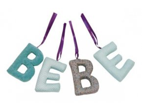 textilní nápis do pokojíčku - BEBE