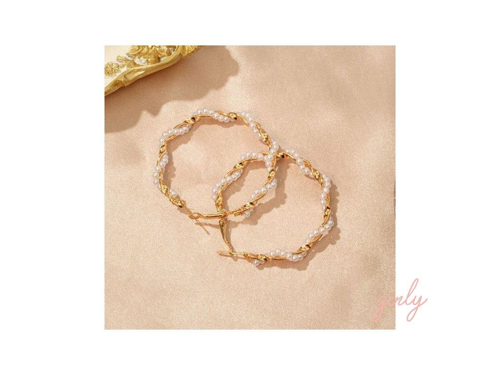 Zlaté kruhy so zatočenými perlami