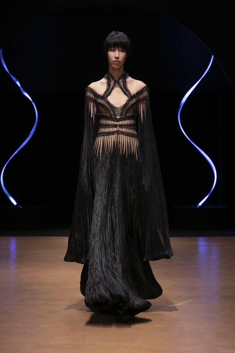 Iris Van Herpen - tvorba modelů