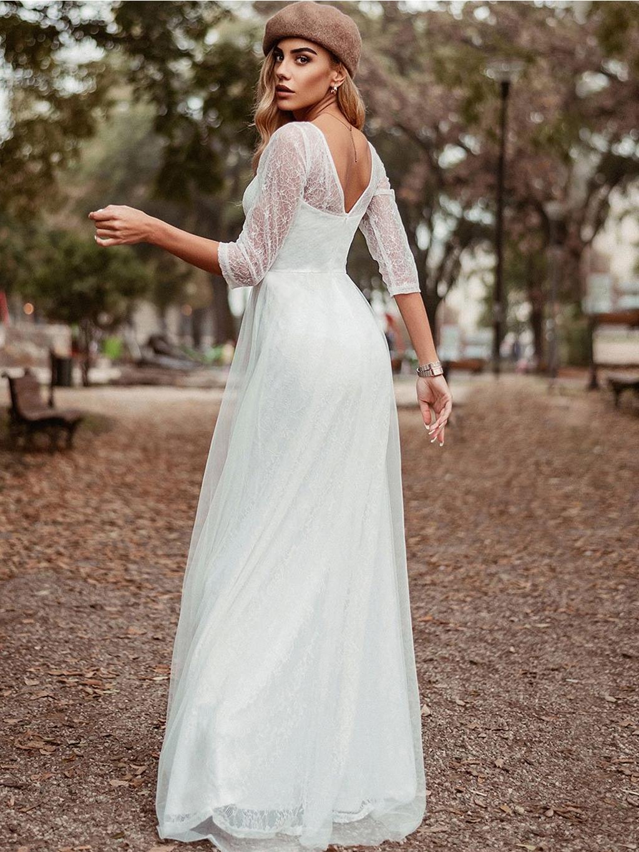 bile svatebni kratke saty s krajkou se sukni strizenou do a