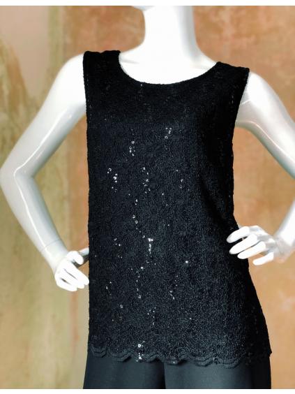Kalhotový černý kostým - kombinace s fialovým topem