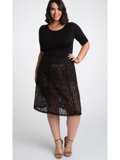 cerna krajkova sukne s bezovou podsivkou kratky rukav pro plnostihle