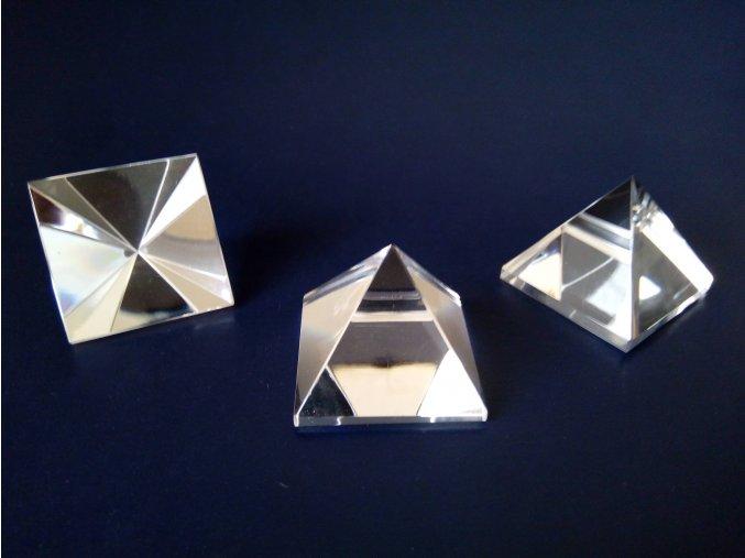 Pyramid 35x35x30 clear