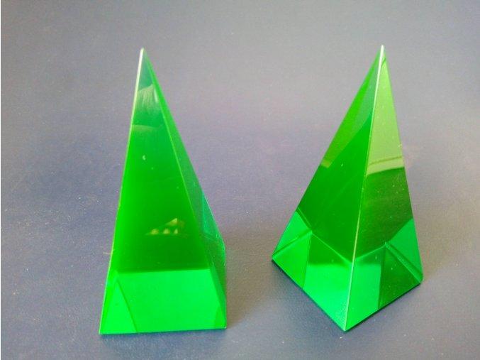 Pyramid 35x35x73 Green No.5082
