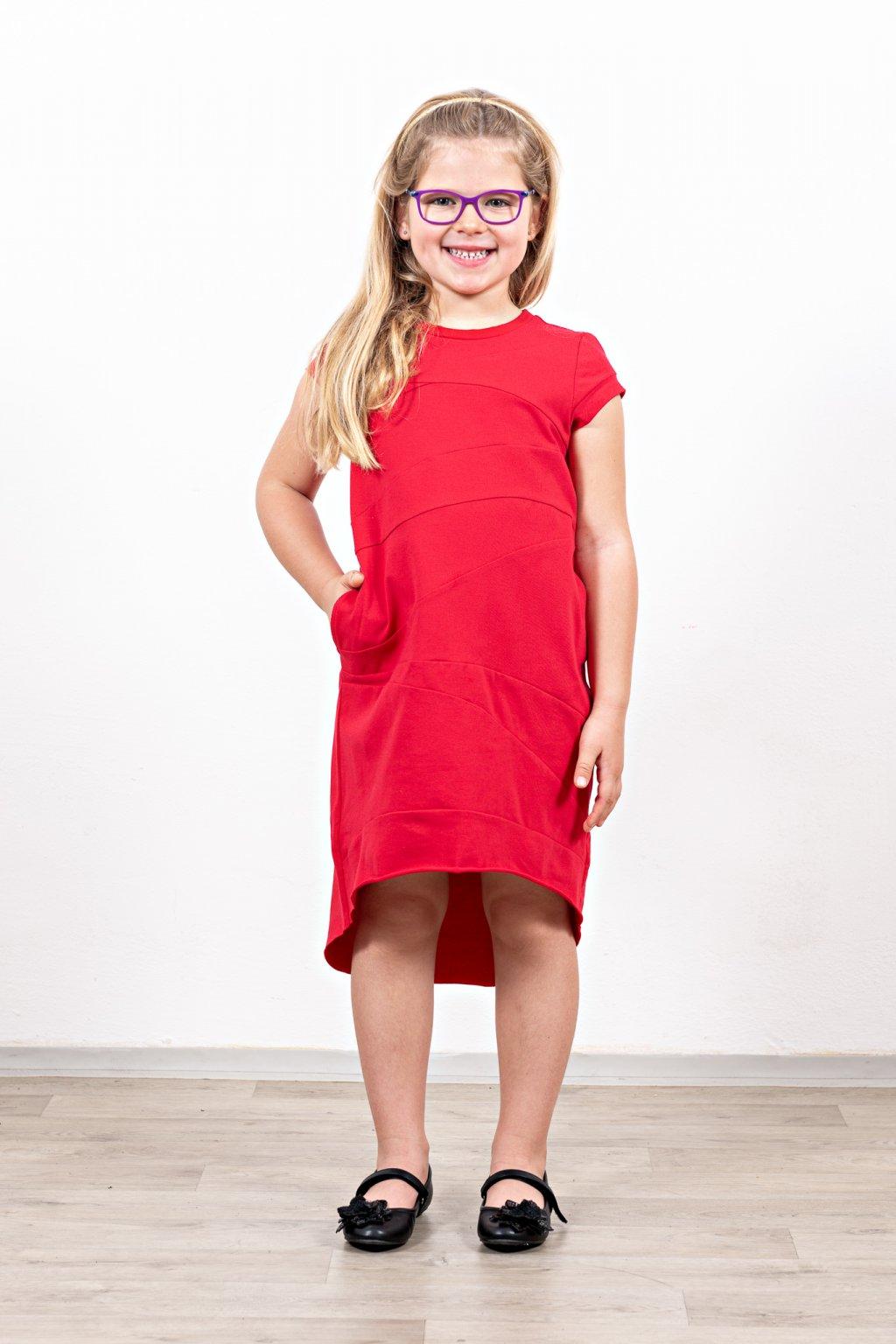 Šaty sešívané červené dětské (3)