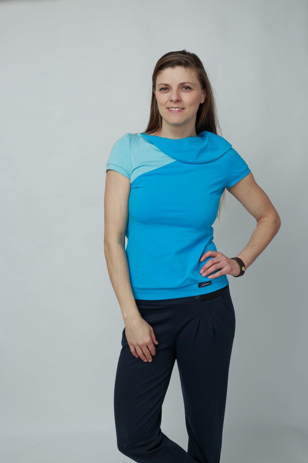 Dámské triko Zůza modrá krátký rukáv s velkým límcem z bavlny Goci