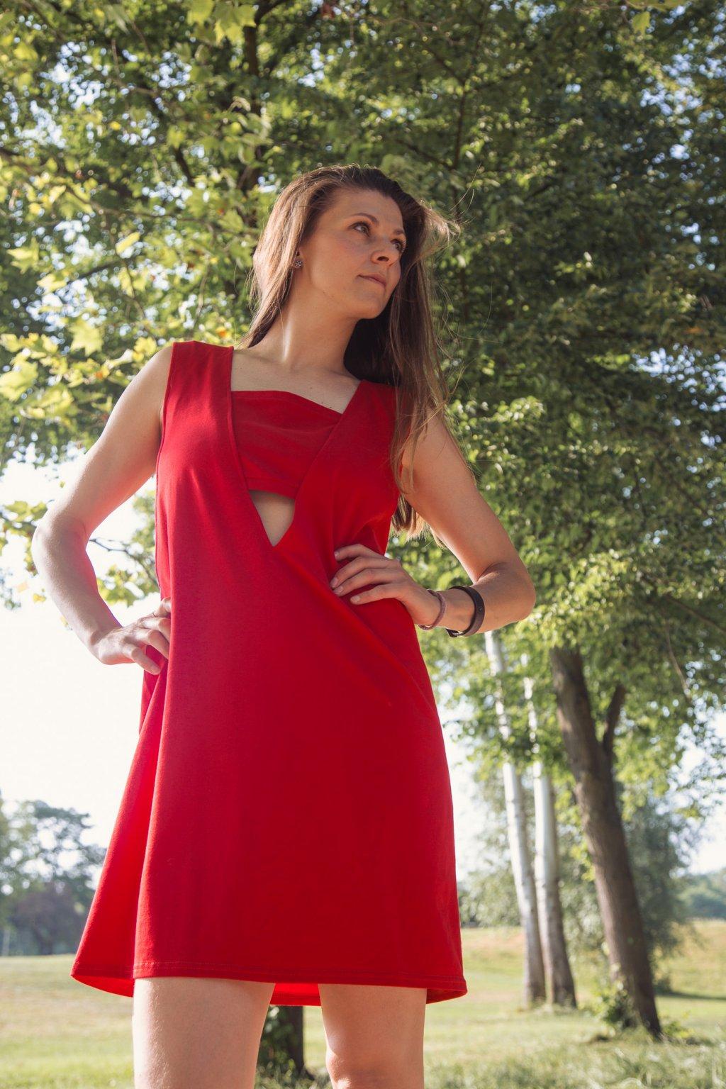 Dámské šaty triangl červené na široká ramínka Goci