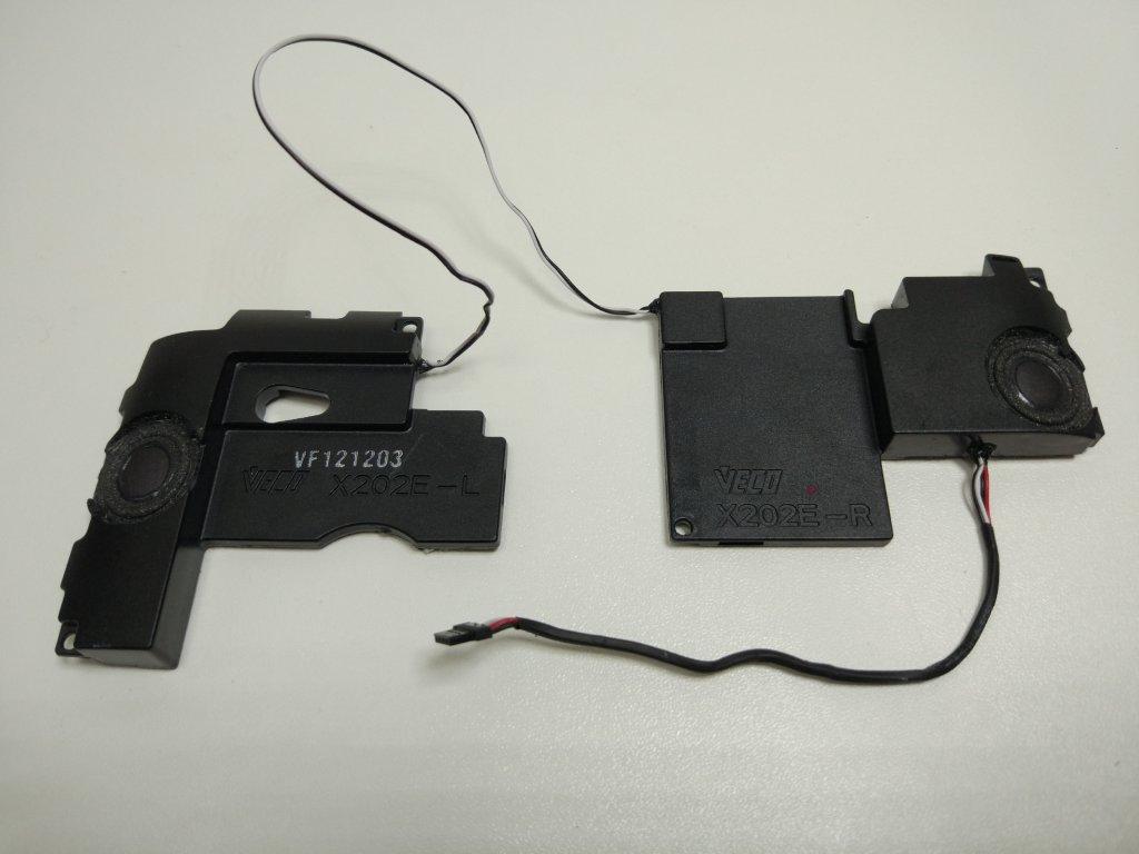 Asus X202E reproduktory