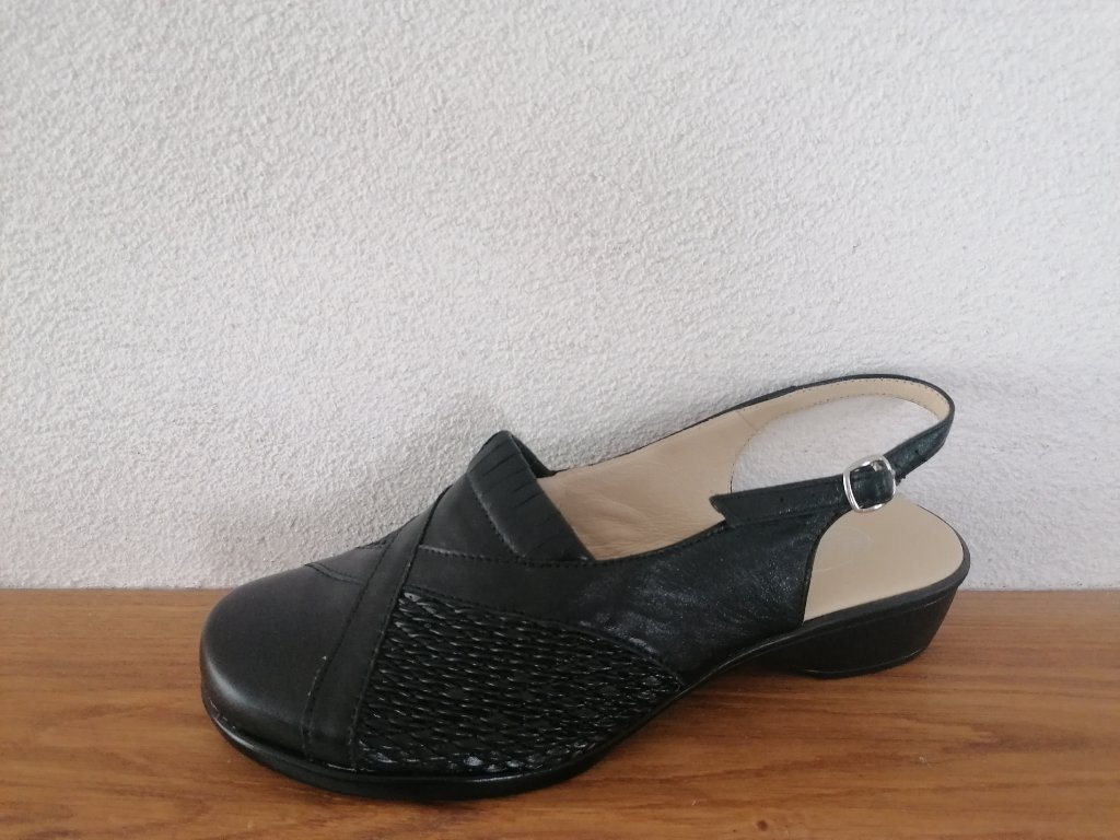 Dámske sandále T 392 HALUX Čierne