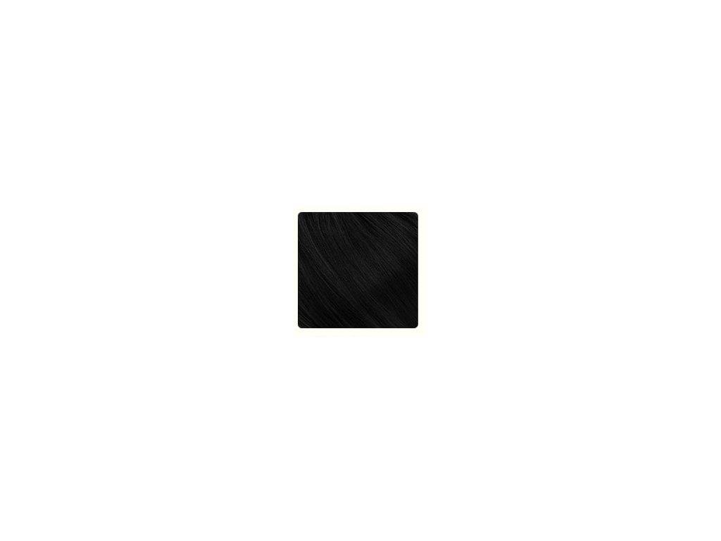 barva černá
