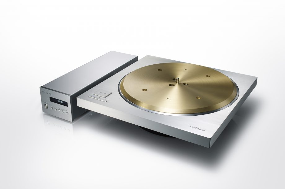 Technics-Direct-Drive-Turntable-SP-10R-angle-920x611