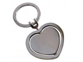 """8<img src=""""www.gravon.cz/přívěsek.jpg"""" alt=""""Přívěsek na klíče ve tvaru srdce"""">"""