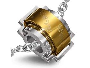 Přívěsek zlatý kruh s monogramem Love
