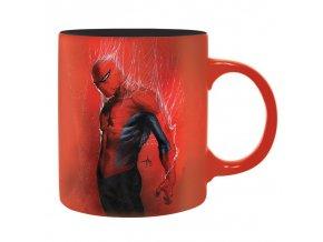 marvel avengers hrnek spiderman cerveny