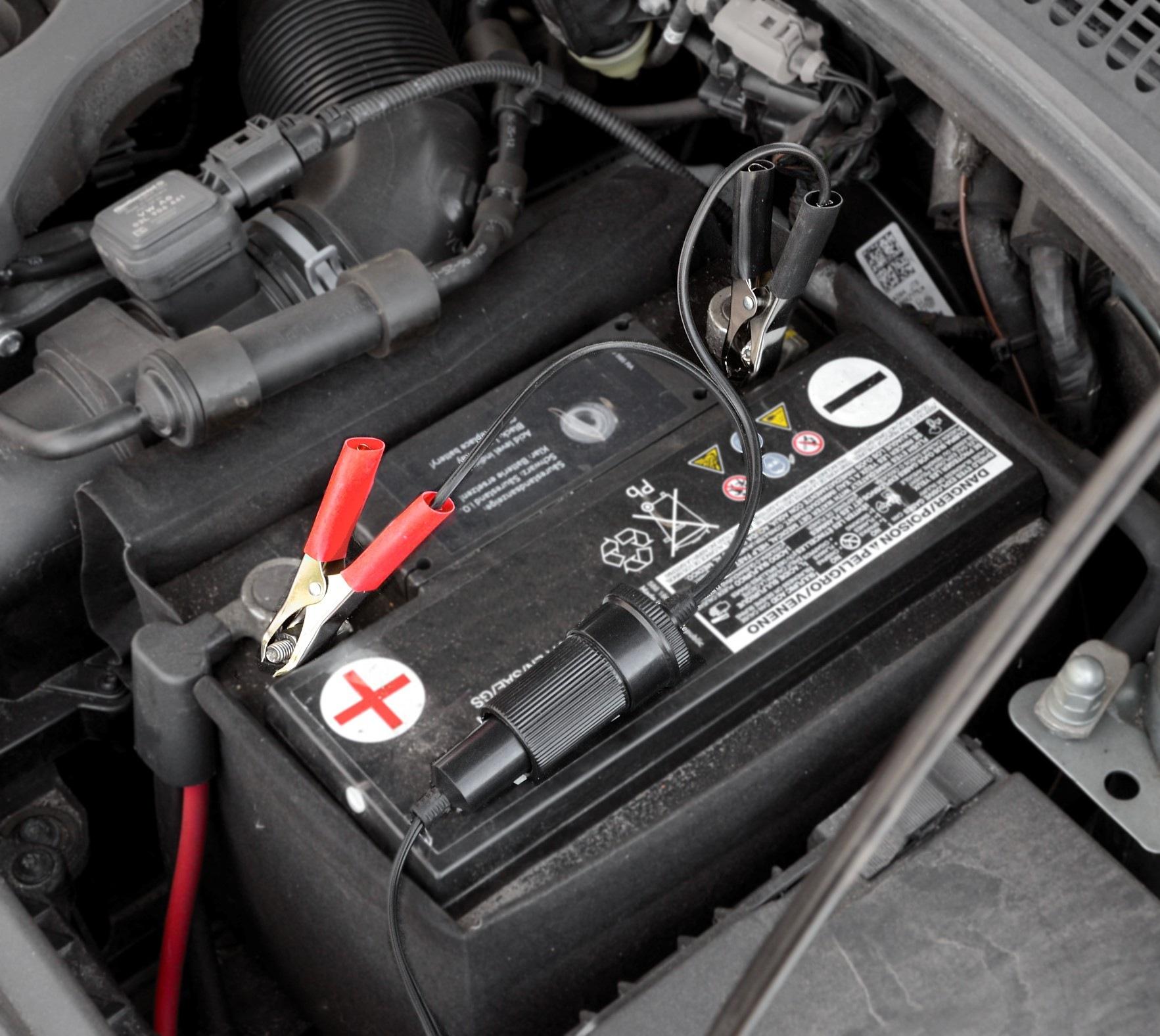 Compass Adaptér autobaterie - zásuvka 12/24V