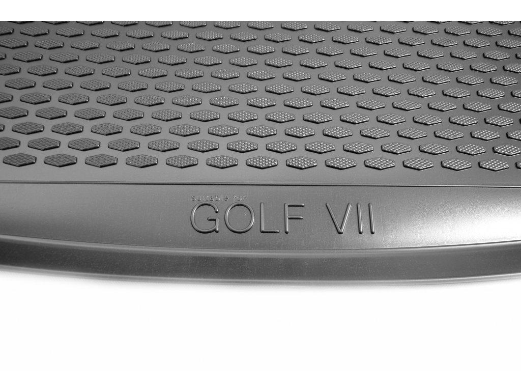 Gumárny Zubří Plastová vana do kufru VW GOLF VII 2012-