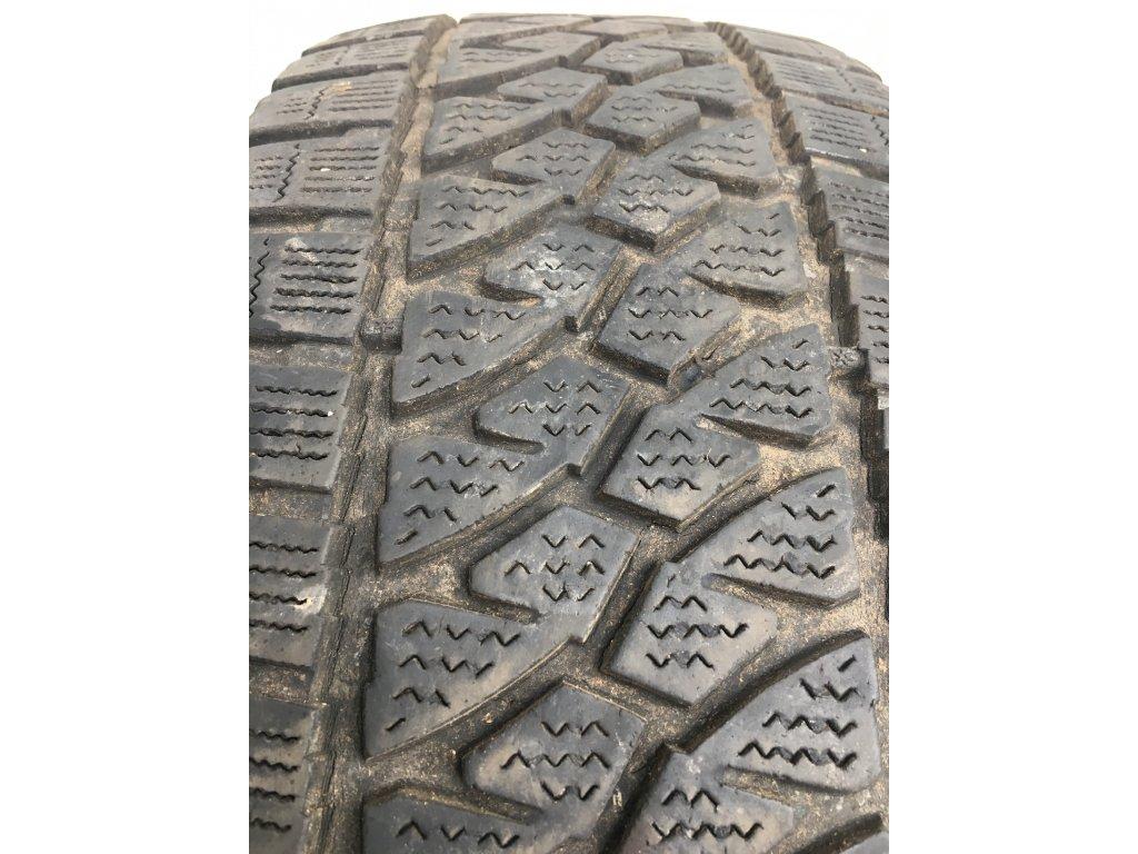 Bridgestone Blizzak 235/65 R16C 115/113R