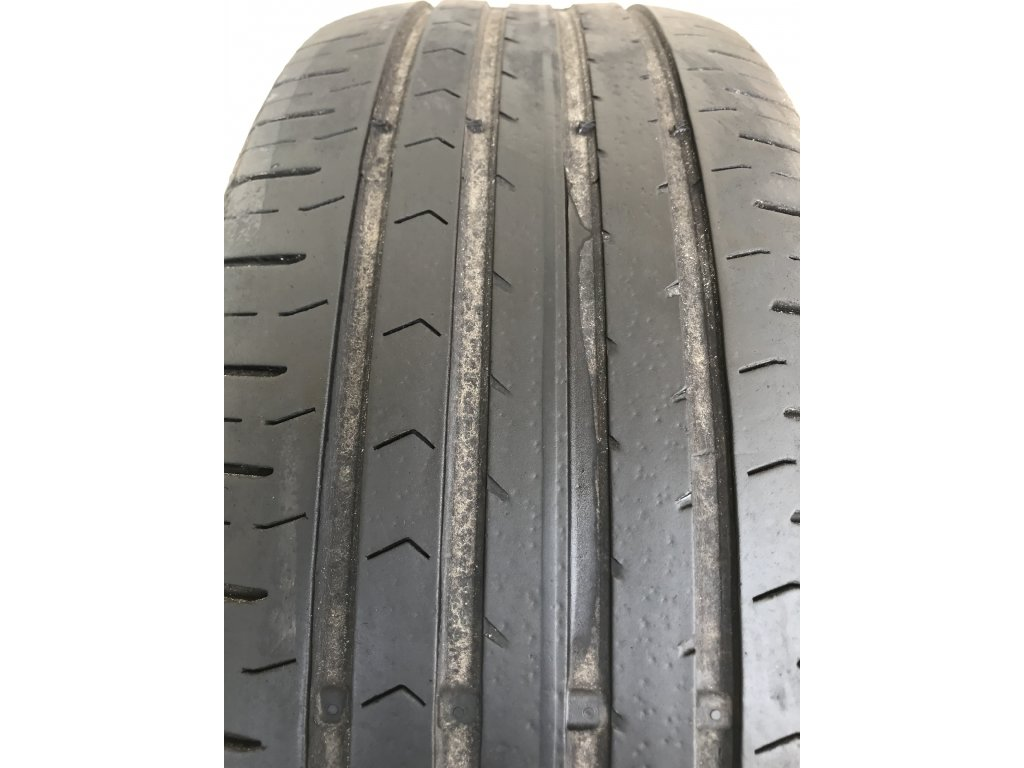 ontinental Premium Contact 215/55 R17 94V