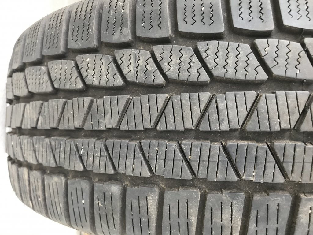 Continetal Winter Contact 215/60 R16 95V
