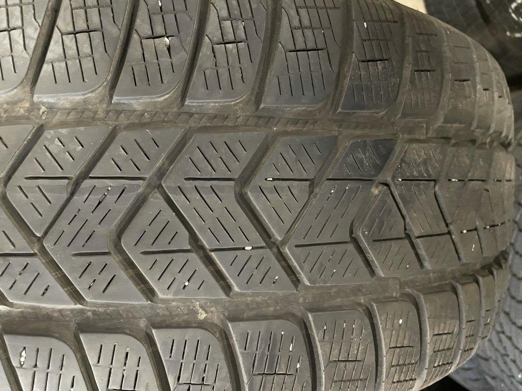 Pirelli Scorpion 235/60 R18 103H 2Ks zimní pneumatiky