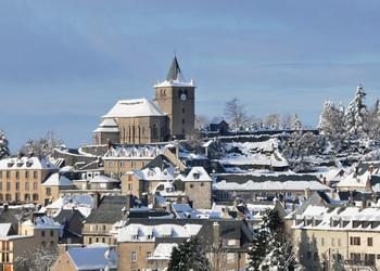 LAGUIOLE (Francie) městečko světového výrobce tradičních nožů