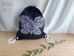 batoh s motýlem