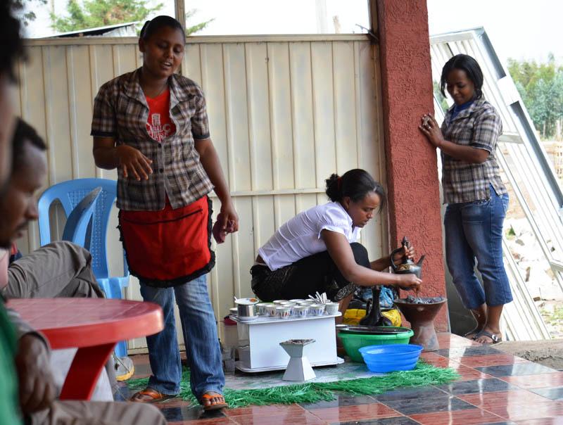 kaviaren-pri-ceste-etiopia