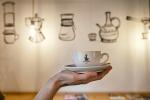 cappuccino v ruke