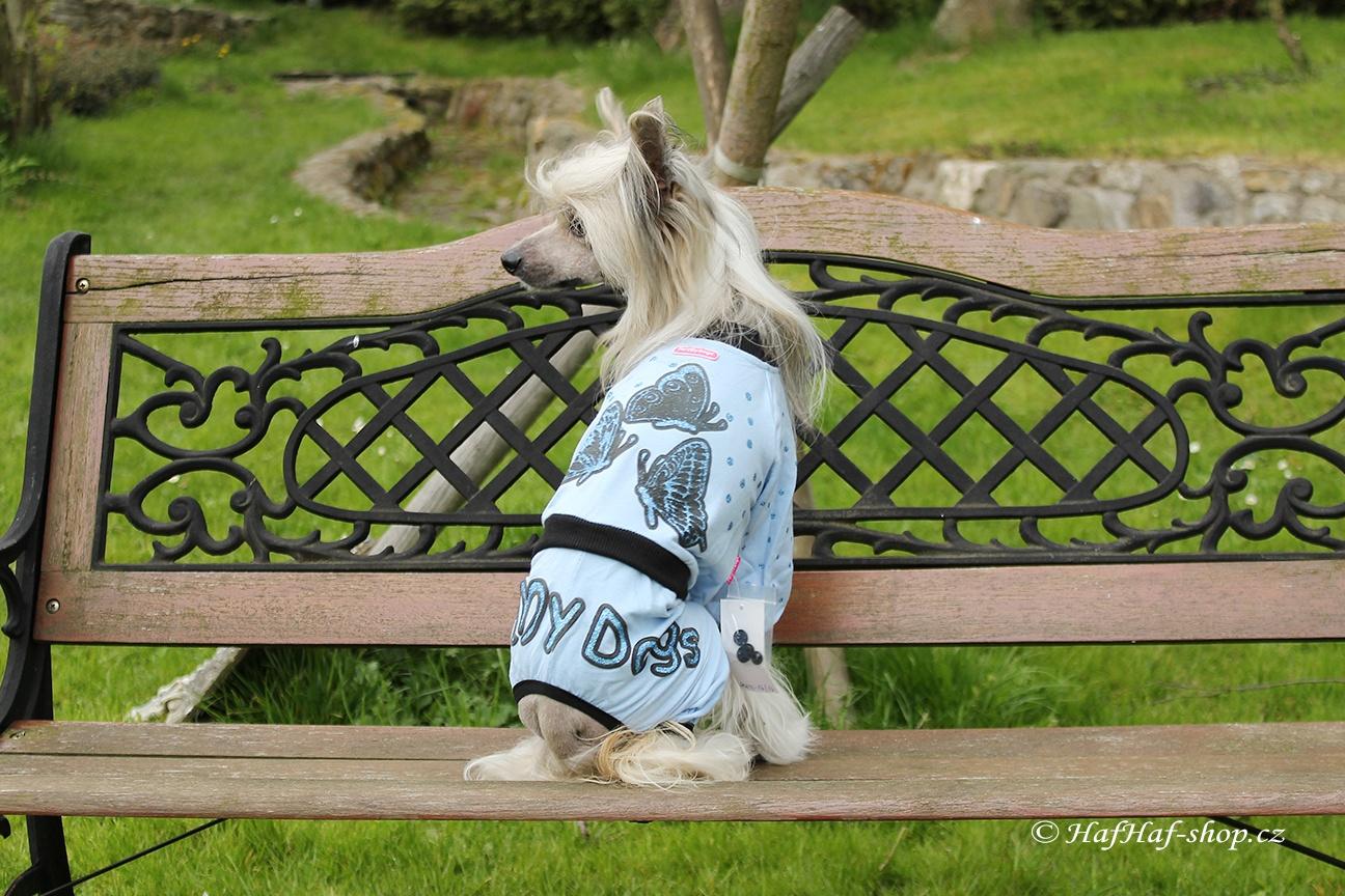 Oblečky pro psy – overal pro psy i fenky s motýly