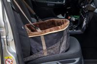 Autosedačka pro psy do auta CAMON WALKY pro pohodlné cestování a ochranu autosedadel před psími chlupy, nečistotami a poškozením. (FOTO 2)