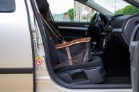 Autosedačka pro psy do auta CAMON WALKY pro pohodlné cestování a ochranu autosedadel před psími chlupy, nečistotami a poškozením. (FOTO 4)