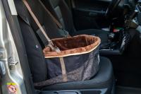 Autosedačka pro psy do auta CAMON WALKY pro pohodlné cestování a ochranu autosedadel před psími chlupy, nečistotami a poškozením. (FOTO 6)
