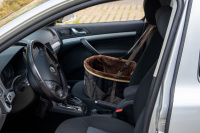 Autosedačka pro psy do auta CAMON WALKY pro pohodlné cestování a ochranu autosedadel před psími chlupy, nečistotami a poškozením. (FOTO 10)