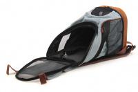 Batoh na psa s nosností 5 kg. Polstrovaná zadní strana, pevné skořepinové dno, vyjímatelná podložka. Barva modro-černá. (7)