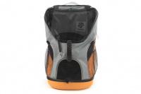 Batoh na psa s nosností 8 kg. Polstrovaná zadní strana, pevné skořepinové dno, hrudní pás pro rozložení váhy, vyjímatelná podložka. Barva šedo-oranžová. (2)