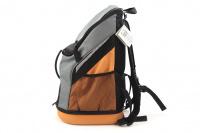 Batoh na psa s nosností 8 kg. Polstrovaná zadní strana, pevné skořepinové dno, hrudní pás pro rozložení váhy, vyjímatelná podložka. Barva šedo-oranžová. (5)