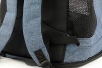 Batoh na psa s nosností 6 kg. Polstrované popruhy i zadní stěna, spodní, přední i horní část batohu na zip, vyjímatelné dno. Barva modro-černá. (10)